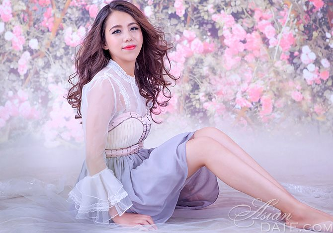... Welcome to our photo gallery! Take a look at Asian mature dating  partner Yanwen(